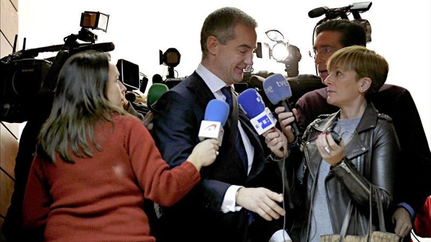 Ricardo Costa no ha dejado el escaño porque el PP le pidió que aguantase