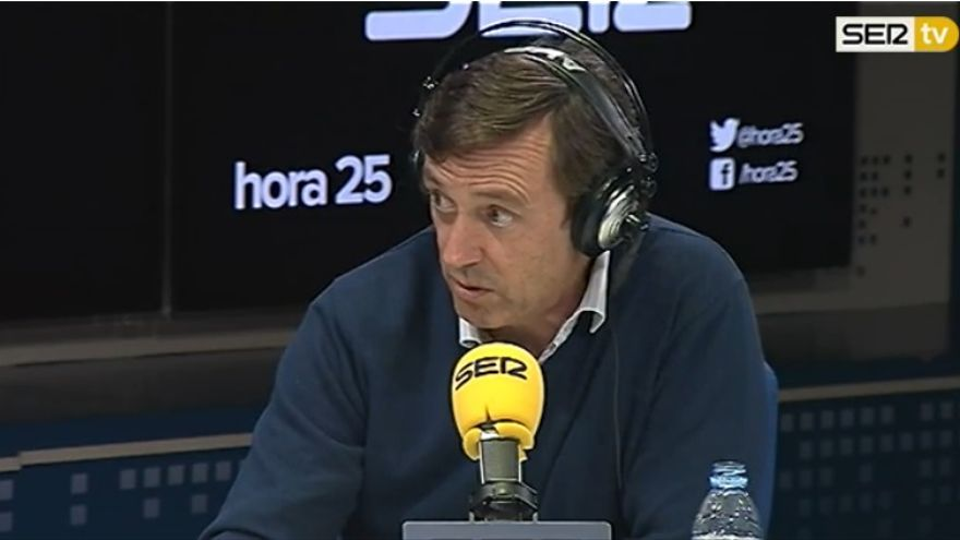 Rafael Hernando, en una entrevista en la Cadena Ser.