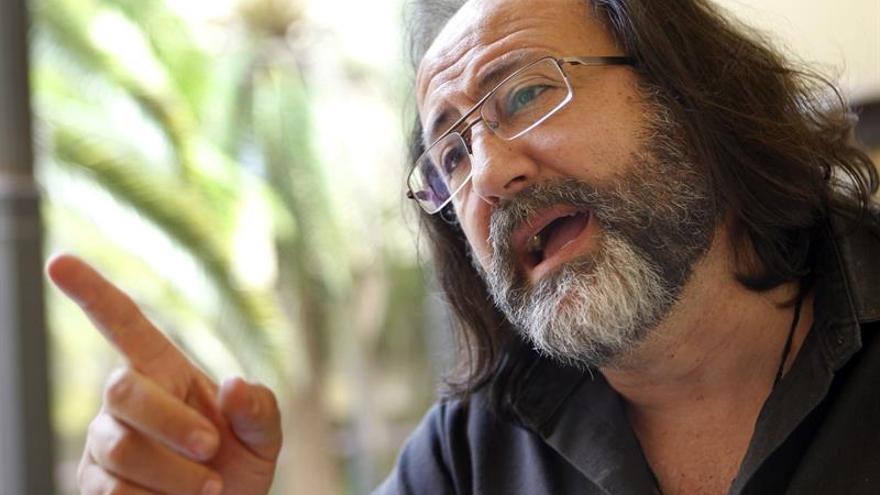 El naturalista Luis Miguel Domínguez