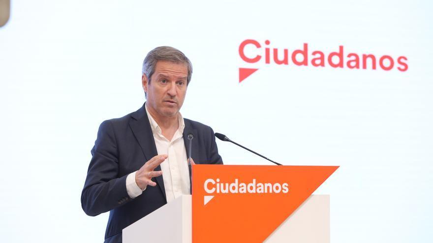 Archivo - Imagen de recurso del secretario de Comunicación de Ciudadanos (Cs), Daniel Pérez Calvo, durante una rueda de prensa tras la la reunión del Comité Permanente del partido.