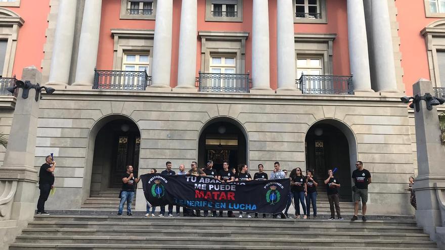 Acción reivindicativa este viernes por fuera de la Subdelegación del Gobierno en la capital santacrucera