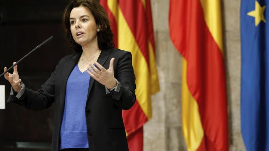 Sáenz de Santamaría apela a la cooperación y al diálogo para impulsar infraestructuras clave