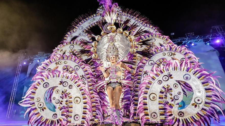 Luna Danae Castro fue elegida reina del Carnaval de Los Llanos de Aridane.