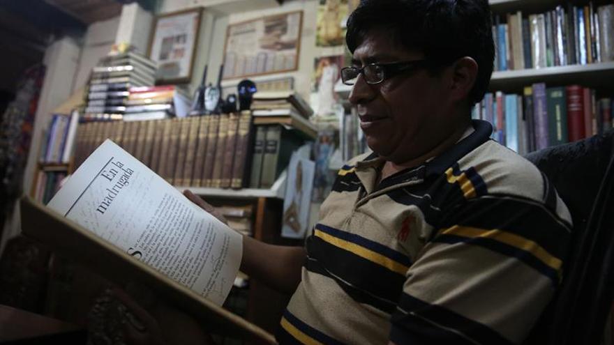 Guatemala, un país que no lee, aprende a vivir entre libros