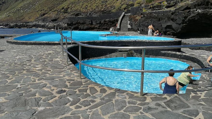 Valverde mejora la seguridad de las piscinas de la caleta for Piscinas municipales palma