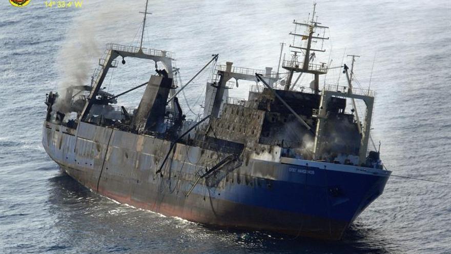 El buque 'Oleg Naidenov' en una fotografía del SAR del Ejército del Aire.