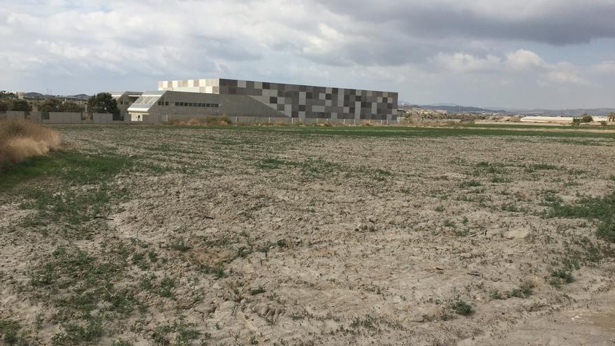 Los regantes reclamaron el lunes 16 de octubre la reparación de la desaladora de Villaricos, Almería.