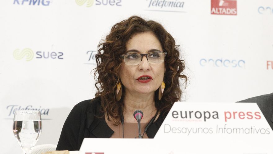 Montero se ofrece a encabezar la lista del PSOE por Sevilla