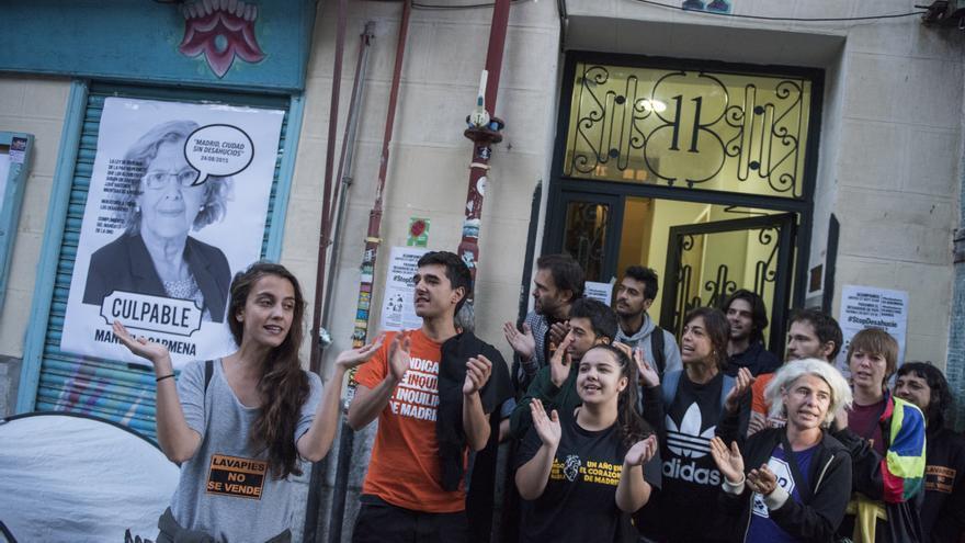 Los vecinos e inquilinos de Argumosa 11 consiguen paralizar el desahucio de Pepi en Lavapiés / Foto: Fernando Sánchez