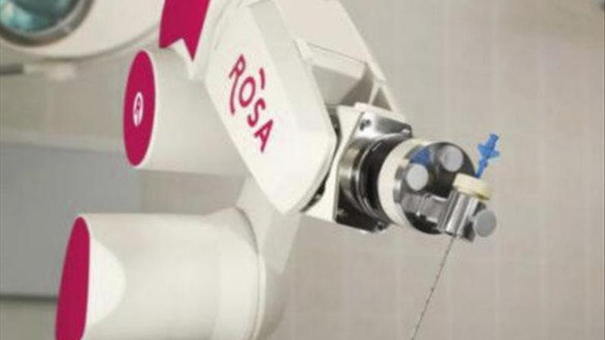 Presentan un robot que permite operar epilepsias que no tenían tratamiento.