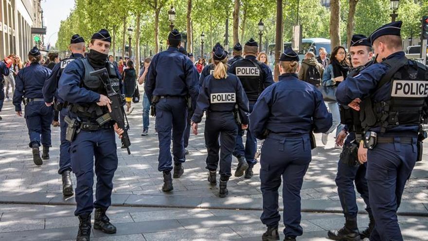 Imputado por terrorismo un joven relacionado con el ataque en Campos Elíseos