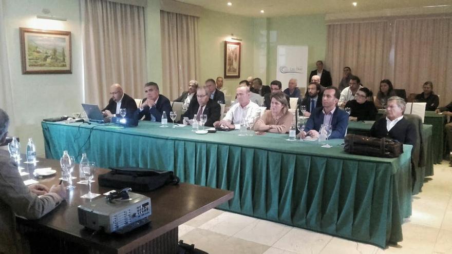 """La Asociación Hotelera y Extrahoteler organizó un encuentro con el sector de La Palma y autoridades """"ante la inminente disolución del Patronato de Turismo""""."""