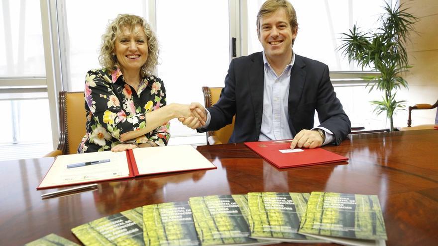 Díaz Tezanos firma con la FMC el protocolo para desarrollar la estrategia de recuperación de áreas degradadas