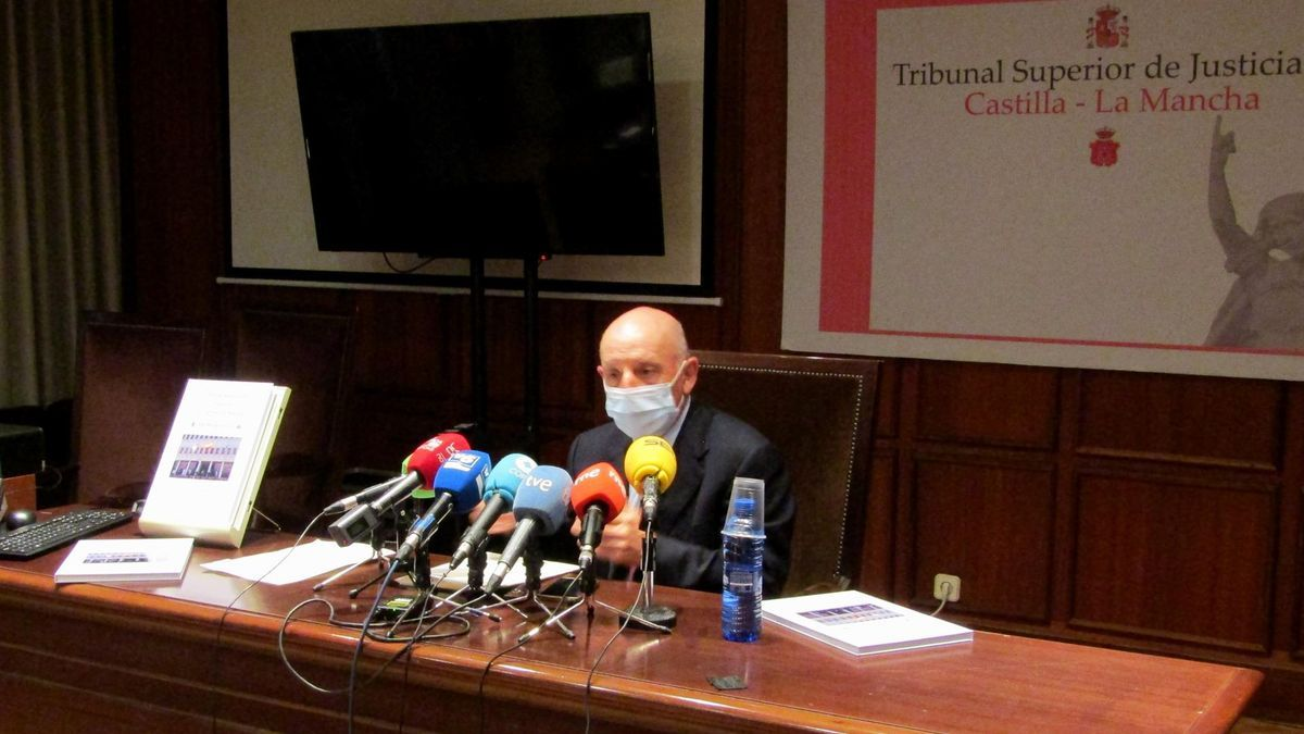 """Vicente Rouco, presidente del Tribunal de Justicia de Castilla-La Mancha: """"Hubiera sido deseable un marco jurídico más claro"""" tras el estado de alarma"""