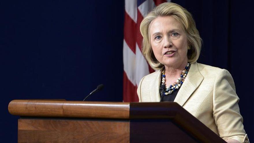 Hillary Clinton dice que lo que más lamenta son las muertes en el consulado en Libia