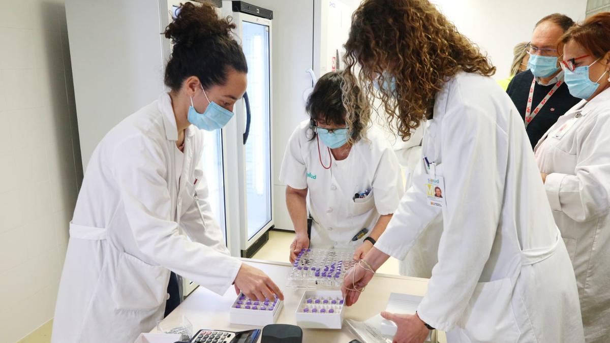 Las primeras dosis de la vacuna contra la covid19 llegan al Hospital Clínico Lozano Blesa