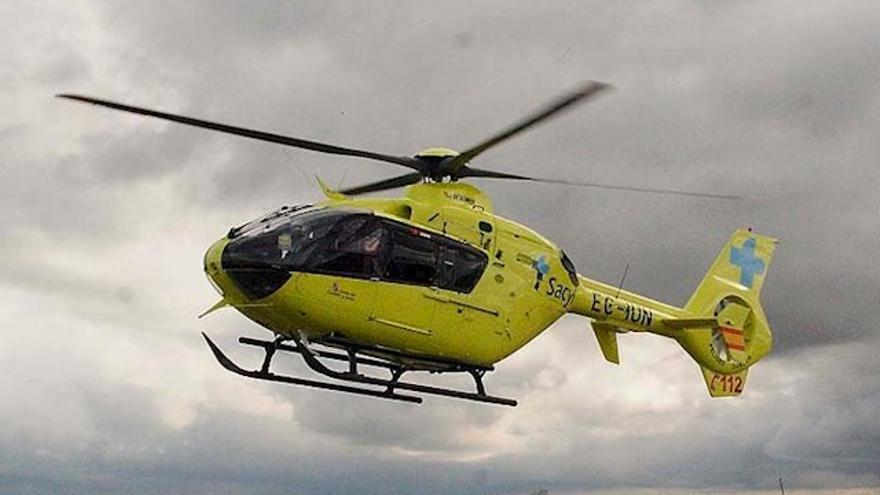 Un helicóptero medicado del Sacyl en una imagen de archivo.