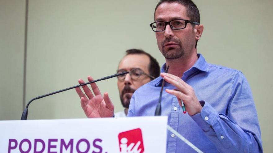 El secretario de Organización de IU, Ismael González, y su homólogo de Podemos, Pablo Echenique.