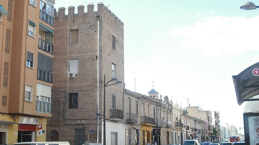 Imagen de la alquería fortificada de La Torre que da nombre al barrio