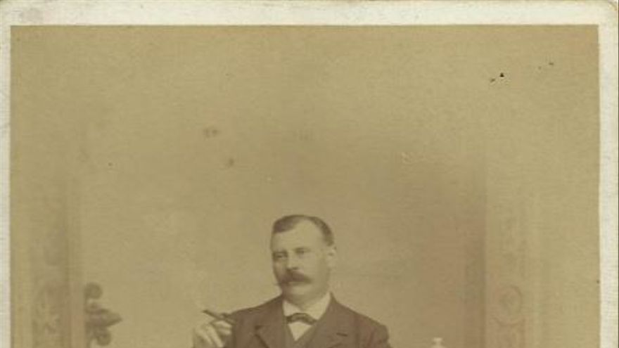 José Gómez Tejedor en 1902.   Fotografía propiedad de Abelardo Jurado Gómez-Tejedor.