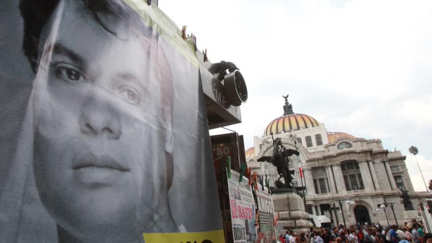 """A 30 años del revolucionario disco en Bellas Artes, Juan Gabriel """"vive"""""""