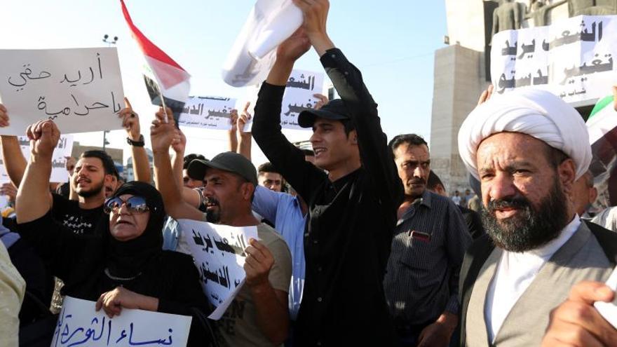 El primer ministro iraquí visita Basora mientras siguen las protestas por el desempleo
