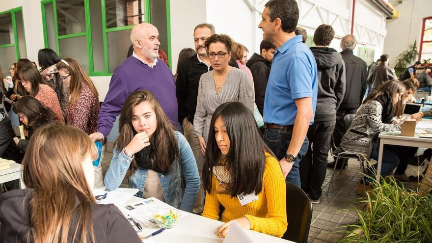 Un encuentro reúne a 400 alumnos de FP que aprenden finanzas y administración con empresas simuladas