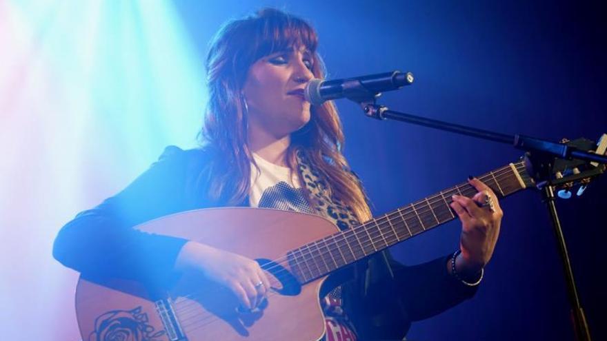 La Rozalén más reivindicativa emociona Córdoba en el Festival de la Guitarra