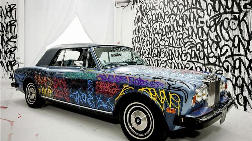 Venden un Rolls Royce de Éric Cantona cubierto de graffitis por 125.000 euros