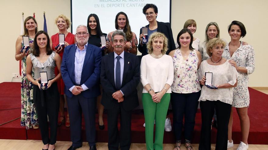 El Gobierno distingue con la Medalla al Mérito a 12 mujeres deportistas como reconocimiento a sus éxitos y esfuerzo