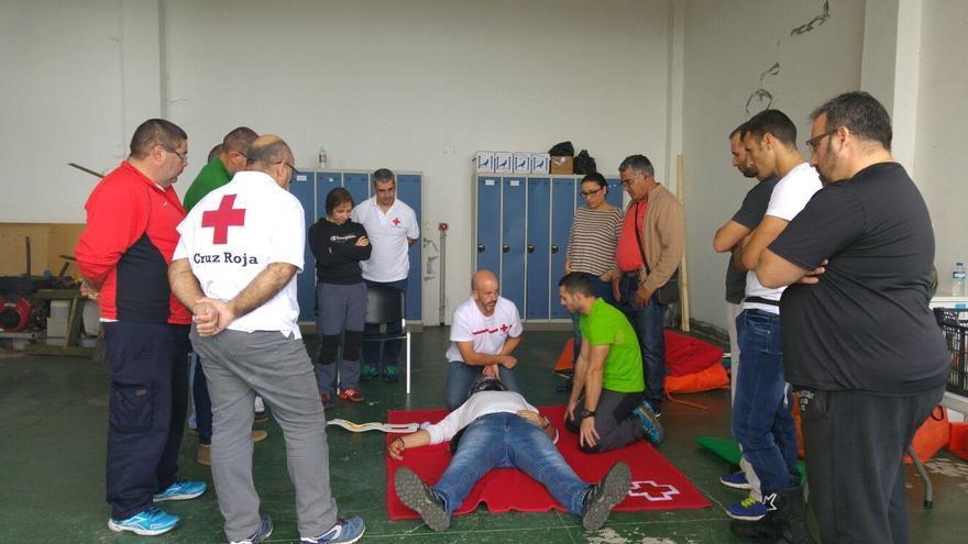 El curso los desarrolló la Cruz Roja con la colaboración de la Consejería Insular de Emergencias del Cabildo.