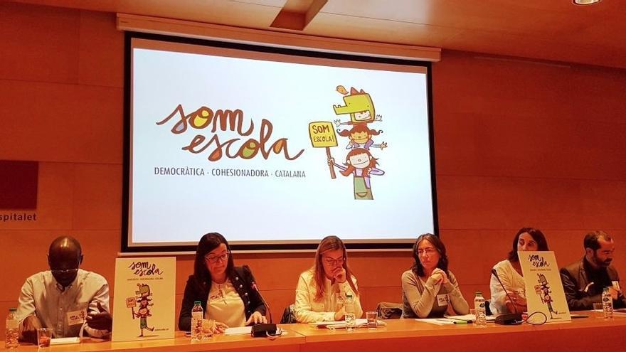 Acto de presentación del manifiesto de la plataforma Somescola