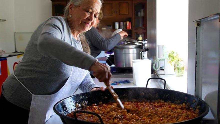 Doce jubiladas crean una cocina social que sirve 20.000 platos en dos años en Zamora