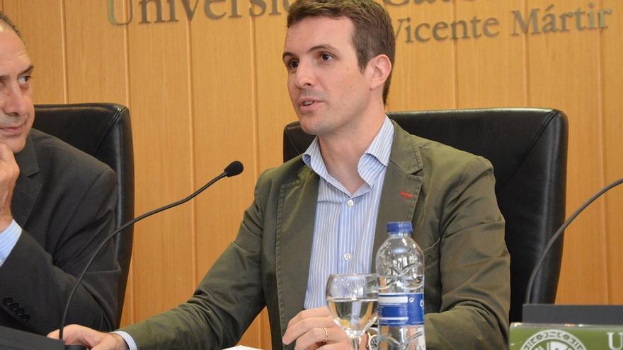 """Casado (PP) insiste en que Rajoy """"tiene poco que aportar"""" a la causa y acusa a """"algunos"""" de """"desviar el tiro"""""""