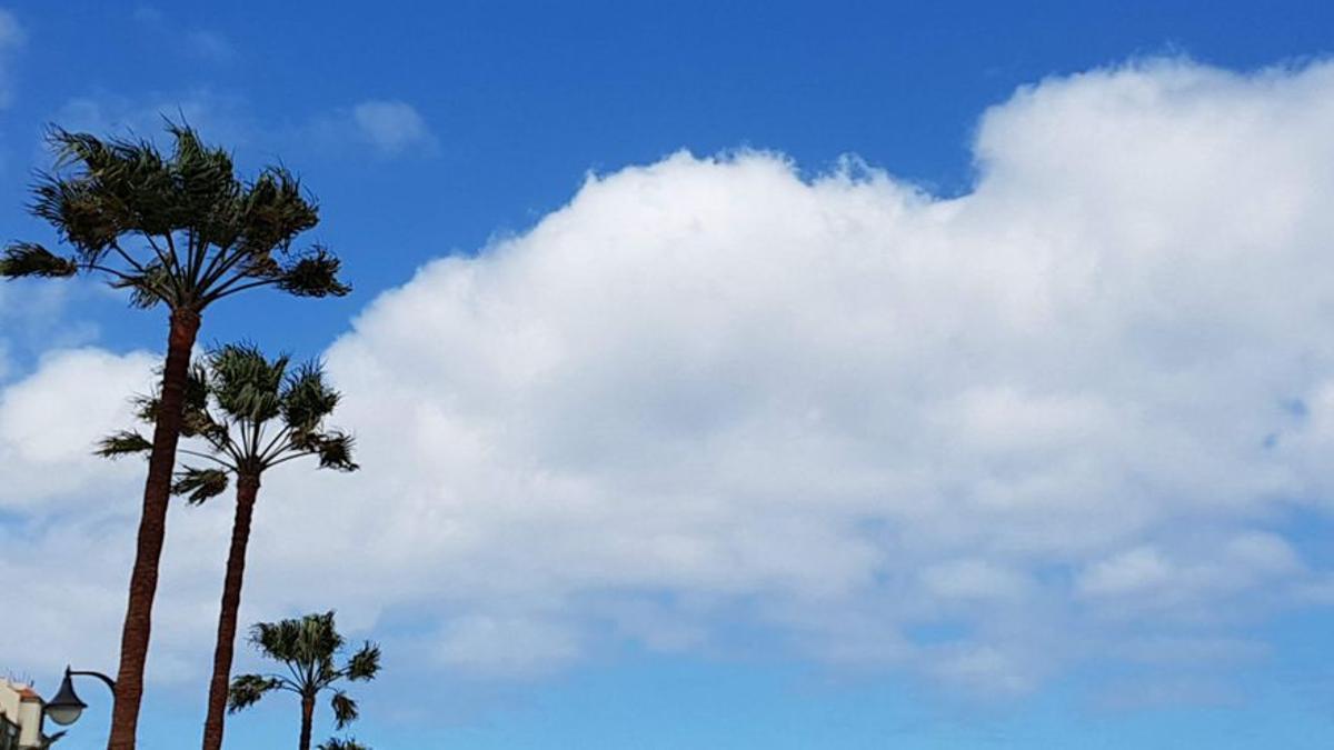 Nubes y claros en La Palma