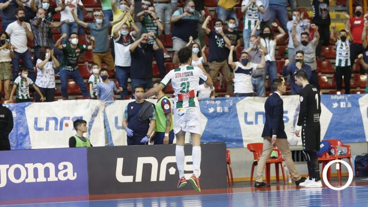 Zequi celebra un gol en Vista Alegre