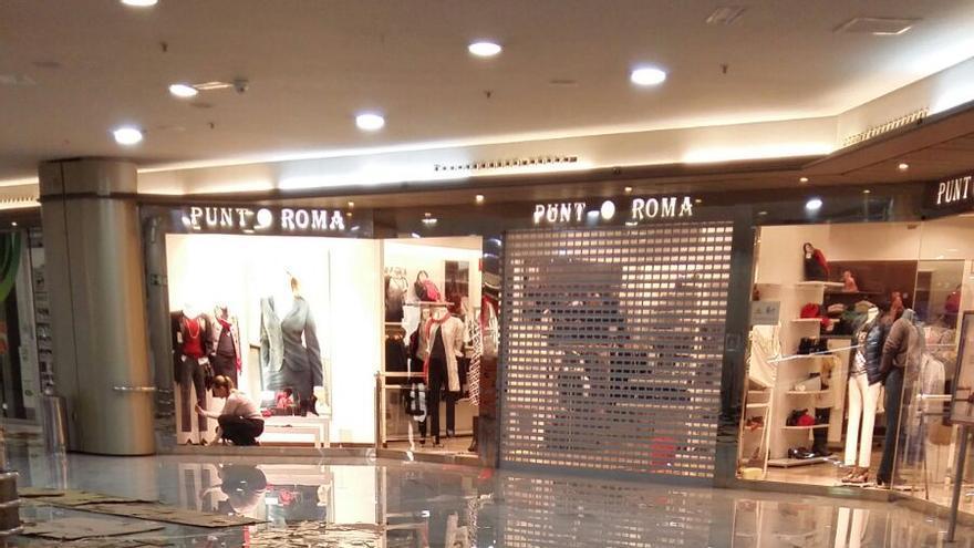 Desperfectos en el Centro Comercial Las Arenas (@Tirma_gc)