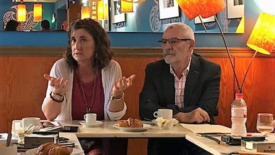 La diputada autonómica del PSPV Mercedes Caballero junto al alcalde de Alboraia, Miguel Chavarría