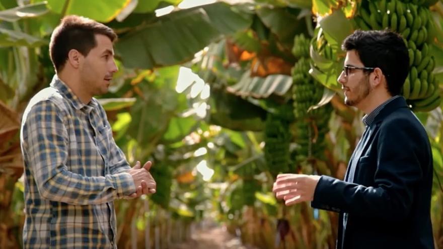 El periodista David Cuesta, a la izquierda, en un momento del programa