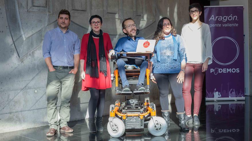 Los candidatos de Podemos, ayer, en el Centro de Historias de Zaragoza. Foto: Juan Manzanara