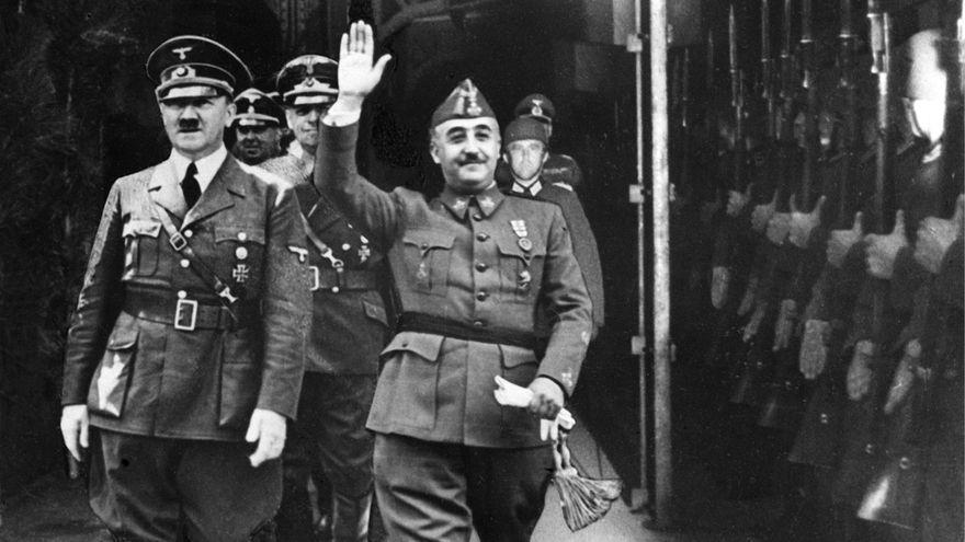 Foto difundida por EFE en 1940 de la entrevista de Franco y Hitler en Hendaya.