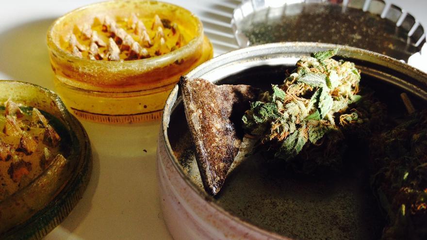 Marihuana y hachís, en un club de cannabis.