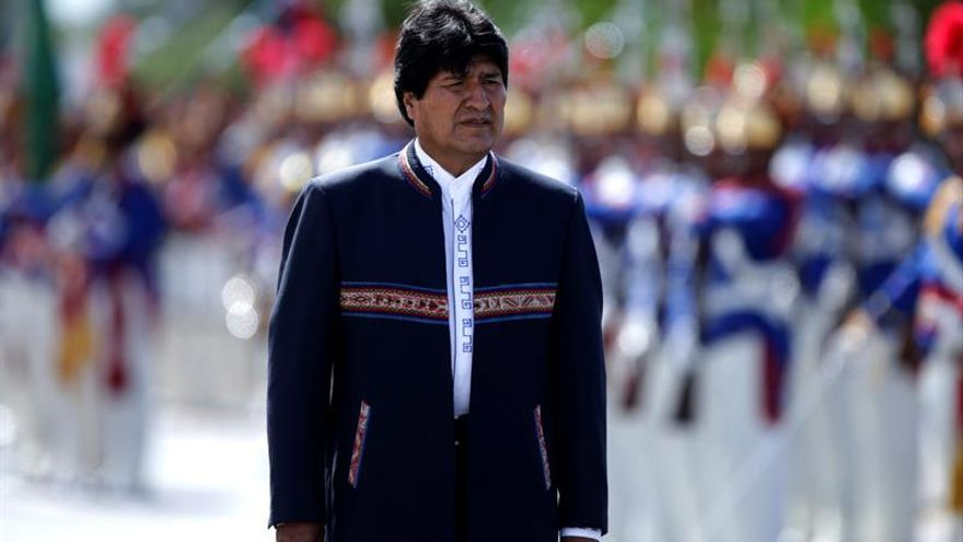Evo Morales evalúa la expulsión del encargado de Negocios de EEUU