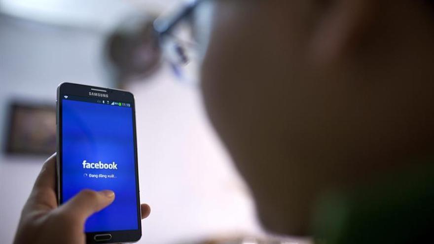"""Las redes sociales impactan """"notablemente poco"""" en la opinión de los estadounidenses"""