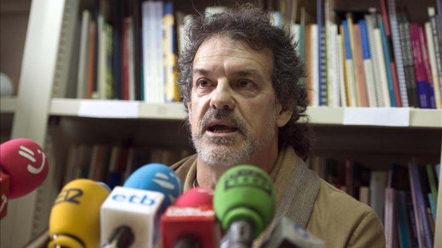 """Víctimas de ETA creen un """"grave error"""" y un """"agravio"""" destituir a Urkijo"""