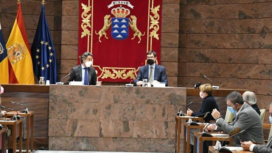 """Nueva Canarias, al secretario de Estado para la Unión Europea: """"Las Islas no pueden ser una cárcel para los migrantes"""""""