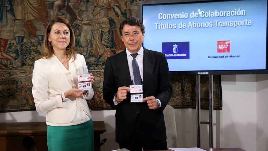 María Dolores de Cospedal e Ignacio González convenio de transportes CLM Madrid