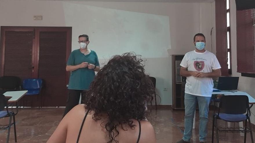 Los Llanos forma al personal de limpieza sobre protección e higiene frente a la Covid-19