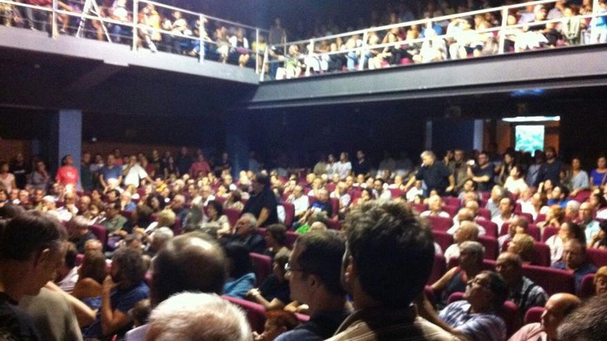 Asamblea de Guanyem València en el Teatre Micalet. / Iván Sánchez