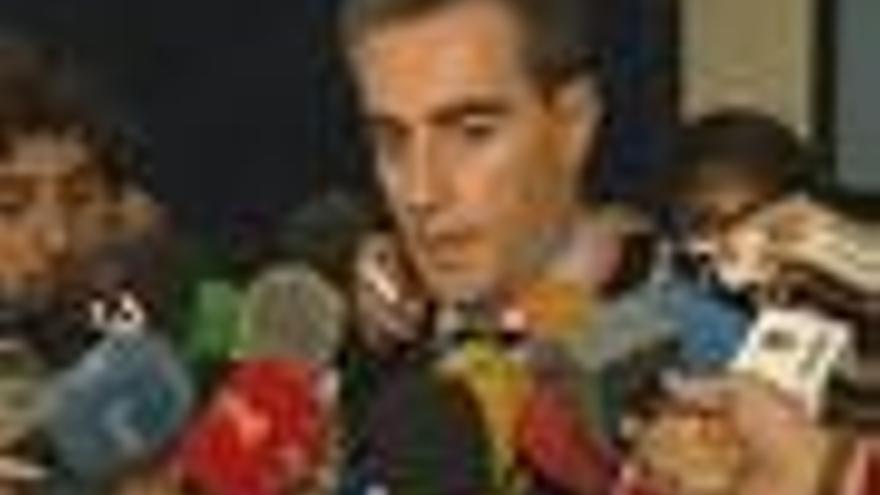 Costa afirma que Génova no le ha citado y reclama que lo haga